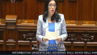 """Photo of Di ritorno in classe, Azzolina: """"Meno propaganda politica, più proposte per la scuola"""" [DIRETTA VIDEO]"""
