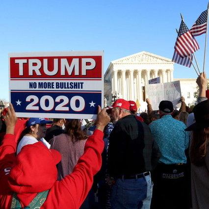 Stati Uniti, 5 feriti, 23 arresti negli scontri alle manifestazioni pro Trump